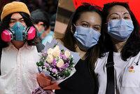 Koronavirus ONLINE: Valentýn ve stínu nákazy. Číňané vyráží na rande s rouškami