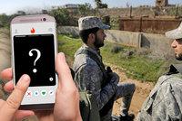 """Vojáci naletěli na fotky mladých dívek. Islamisté se jim pak """"nabourali"""" do telefonů"""