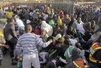 Místo pomoci přišla smrt. Dav chudých ušlapal v Nigeru dvě desítky žen a dětí