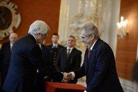 """Zeman jmenoval Šámala ústavním soudcem, zmínil """"šílenou ostudu"""" i smíření s Rychetským"""
