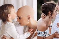 Mami, to zvládneš! Nelinka láskyplně podporuje mámu s vážnou nemocí, silné fotky ukázaly poprvé