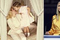 Luxusní postel i něžná pusa. Ivanka Trumpová popřála mámě Ivaně k 71. narozeninám