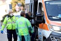 Koronavirus ONLINE: V Itálii už zemřeli dva lidé. Nákaza si našla novou cestu z těla