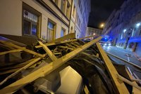 "ONLINE: Orkán Yulia ""trhl"" rekord, na auta v Praze spadla střecha. Sledujte radar Blesku"