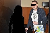 Teror na Klatovsku: 20 let měl manželku i dceru týrat, dívku pak sexuálně zneužívat i znásilňovat