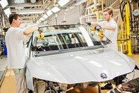 Automobilkám chybí čipy, ohrozí to výrobu 3,9 milionu vozů. Ztráty půjdou do bilionů