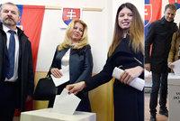 ONLINE Smrt u voleb: Zemřeli důchodce a členka komise. Čaputovou bez přítele doprovodila dcera