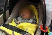 """""""Je jako hadrová panenka!"""" Miminko (1 měs.) upadlo do bezvědomí při kojení. Záchranář popsal chvíle hrůzy"""