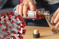 Češi se nouzovým stavem propili, víc alkoholu si nejčastěji dopřáli lidé do 35 let