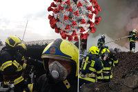 Druhá vlna zasáhla pražské hasiče: Už 19 nakažených, další desítky v izolaci
