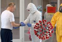 Prezident Putin v ochranném obleku navštívil nakažené. Zeman mezi lidi nevychází