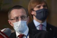 Až 8 tisíc nakažených v Česku během dvou týdnů. Zdravotnictví to zvládne, ujišťuje Vojtěch