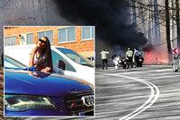 Denisino (23) audi začalo po bouračce hořet: Posádka utrpěla děsivé popáleniny!