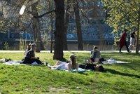 Počasí v Praze bude jako na houpačce: Do středy bude chladno, pak se oteplí, ale přijdou přeháňky