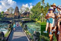 Hlupáci, nebo chytráci? Manželé utekli před koronavirem na Bali i se svými dětmi
