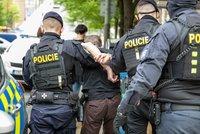 Jihočeský policista zabil opilého výtržníka: Střílel, i když agresor už nebyl nebezpečný, viní ho GIBS