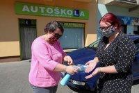 Praha ruší stovky zkoušek v autoškole, komisaři mají podezření na covid. Upravuje i úřední hodiny