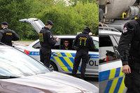 Šílené VIDEO: Zfetovaný šofér proletěl Průmyslovou ulicí v protisměru! Naboural, pak utíkal, policie hledá svědky