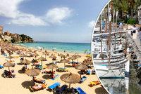"""""""Mallorca zbídačí."""" Němcům tečou nervy, Španělé je nechtějí pustit do jejich vil na ostrově"""