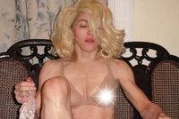 Madonna (61) při sobotě rozhodila nohy a odhalila ňadra: Drsný vzkaz moralistům