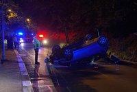 Opilý muž (33) převrátil v Praze 6 auto na střechu! Chtěl se zabít, protože přišel o práci