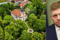 Takhle si žije expremiér: Fico bydlí v luxusu s kostelem a výhledem na Karpaty