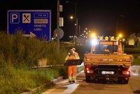Koronavirus ONLINE: 326 mrtvých v ČR. V osm ráno se otevřou hranice, propálili Maďaři