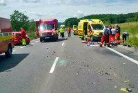 Na Rychnovsku zemřel motorkář (†19): Nepřežil náraz do stromu