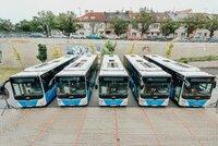 Nové autobusy, akční jízdné i spoje na telefon: Plzeňský kraj mění od neděle dopravce