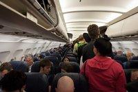 """Na zavazadlo nad hlavou v letadle do Itálie zapomeňte. Úřad je zakázal kvůli """"chaosu"""""""
