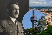 """Před 130 lety se rozestavěla Petřínská rozhledna. Mladší sestra """"Eiffelovky"""" se současnosti skoro nedožila"""