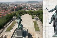 Devítimetrový Žižka hlídá Vítkov už 70 let. Sochařovi stáli modelem zápasník i pečlivě vybraný kůň