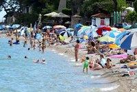 Chorvati řeší nakažené turisty. Čeká je izolace v hotelu, nebo převoz do karantény?