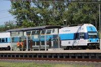Tragédie na kolejích: Vlak v Běchovicích smetl mladíka. Na místě zemřel