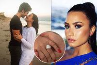 Demi Lovatová se po 4 měsících zasnoubila: Větší diamantový prsten jste neviděli!