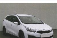 Srazil dívenku na přechodu ve Zbraslavi a ujel! Policie hledá bělovlasého řidiče bílé kie