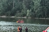 Konec všem nadějím: Hostivařská přehrada vydala tělo hledaného plavce (†29)