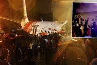 Letadlo z Dubaje se při přistání zlomilo vejpůl: Nejméně 14 mrtvých a 123 zraněných