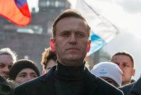 Putinův kritik Navalnyj ve bezvědomí: Jed v čaji? Přes horký nápoj se vstřebá rychleji, říká expert