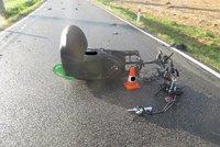 Po střetu s autem na Pardubicku zemřel řidič skútru (†70): Policie hledá svědky