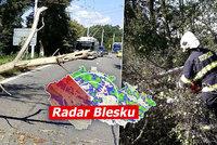 Bouře Kirsten udeřila na Česko: Evakuace vlaku a rozsáhlé výpadky proudu. Sledujte radar Blesku