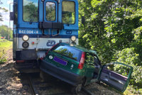Další tragédie na železnici: Vlak u Ivančic smetl fiat, babička (†81) zemřela