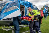 Výboj při bouřce zasáhl na Rakovnicku skupinku dětí! Chlapce v bezvědomí transportoval vrtulník