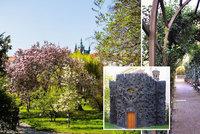 Vojanovy sady: Oáza klidu v srdci metropole se ukrývá za vysokou zdí