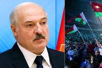 """Lukašenko uzavřel hranice s Polskem a Litvou. """"Ve volbách nebyly lži,"""" trvá si na svém"""