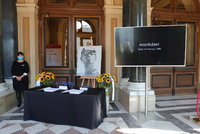 PŘÍMÝ PŘENOS: Pieta za Menzela (†82) v Rudolfinu: Kondolence a dezinfekce ve foyer!