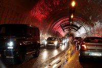Totálně zasekaná Praha! Autobusy nabírají až 40minutová zpoždění