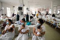 """Vláda láká rodiče na peníze za """"koronavirové"""" děti. Baby boom chtějí podpořit v Singapuru"""
