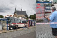 Autobus ve Slaném srazil Kubíčka (†7): Obvinili řidiče, mohly za nehodu jeho pantofle?