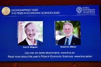 Nobelovku za ekonomii získala dvojice Američanů. Vysvětlila, jak fungují aukce